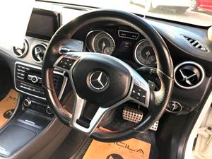 kibris-araba-com-kktc-araba-bayi-oto-galeri-satilik-arac-ilan-İkinci El 2015 Mercedes-Benz  CLA 180  180  AMG Sport