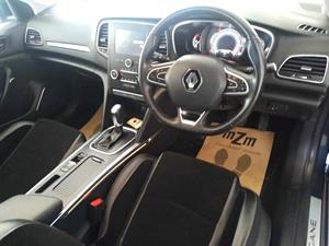 kibris-araba-com-kktc-araba-bayi-oto-galeri-satilik-arac-ilan-Plakasız 2 El 2017 Renault  Megane  1.5 dCi Dynamique TomTom