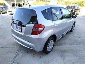 kibris-araba-com-kktc-araba-bayi-oto-galeri-satilik-arac-ilan-İkinci El 2012 Honda  Fit  1.3